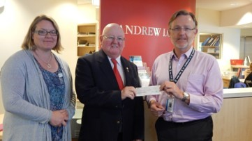 Freemasons $10,000 to Barwon Health