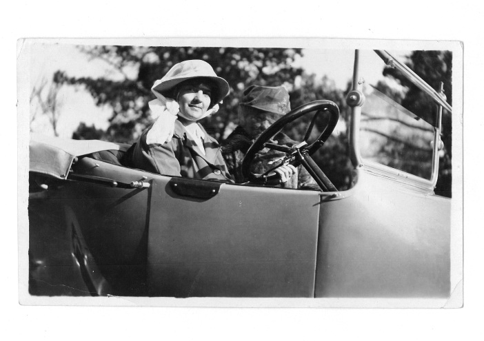 Dr Mary De Garis car 1920's